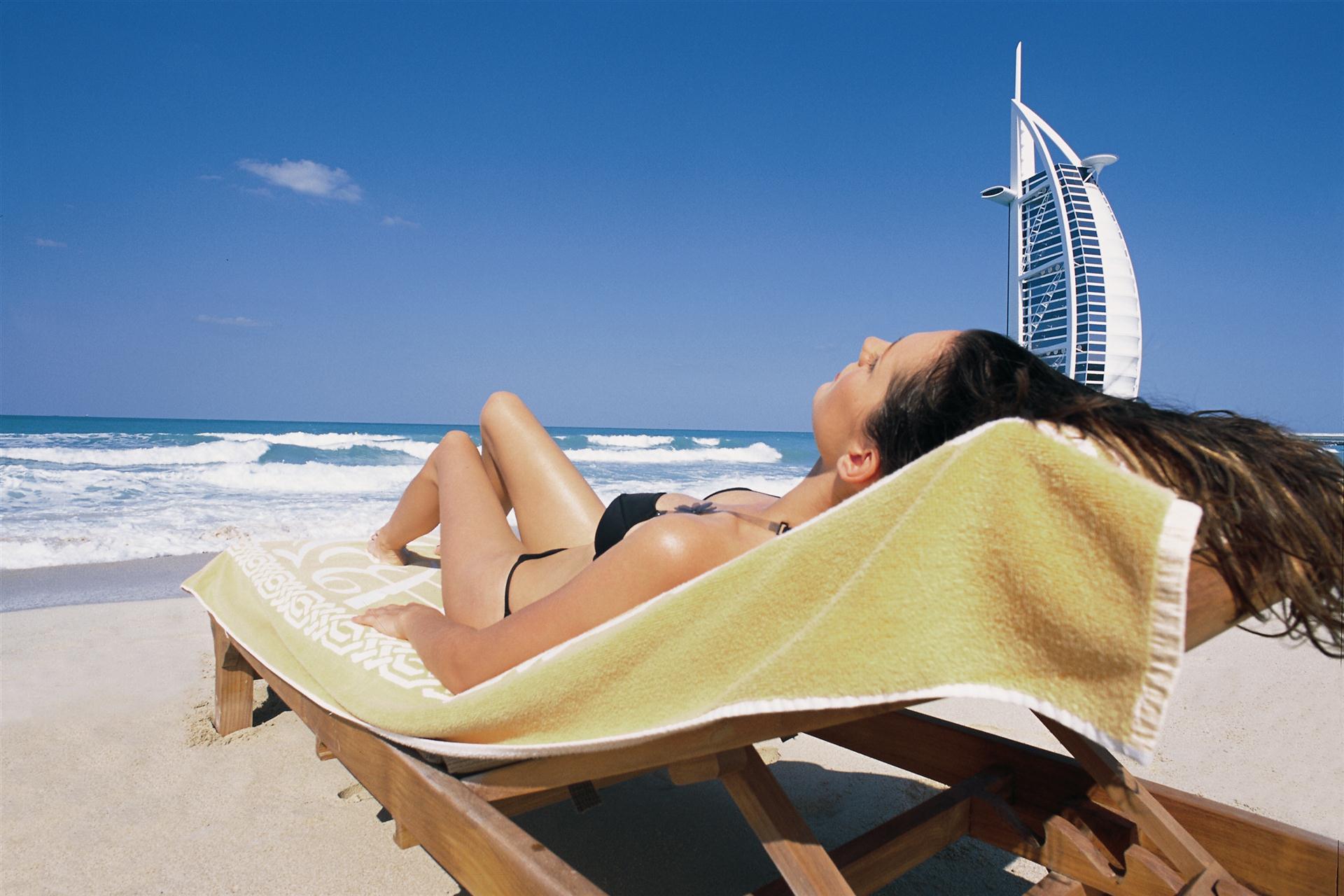 Дубай пляж девушки фото