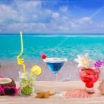 depositphotos_25353373-stock-photo-beach-tropical-cocktails-on-white